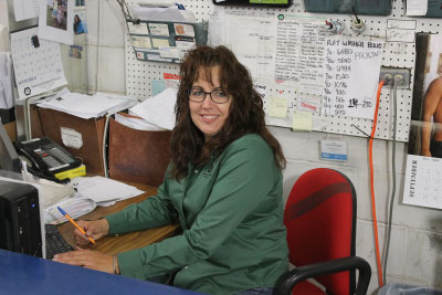 Shelley Krakowka, Warehouse Manager
